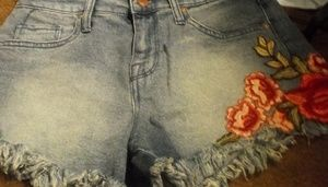 Mossimo blue jean cutoffs w/flower size 2/28